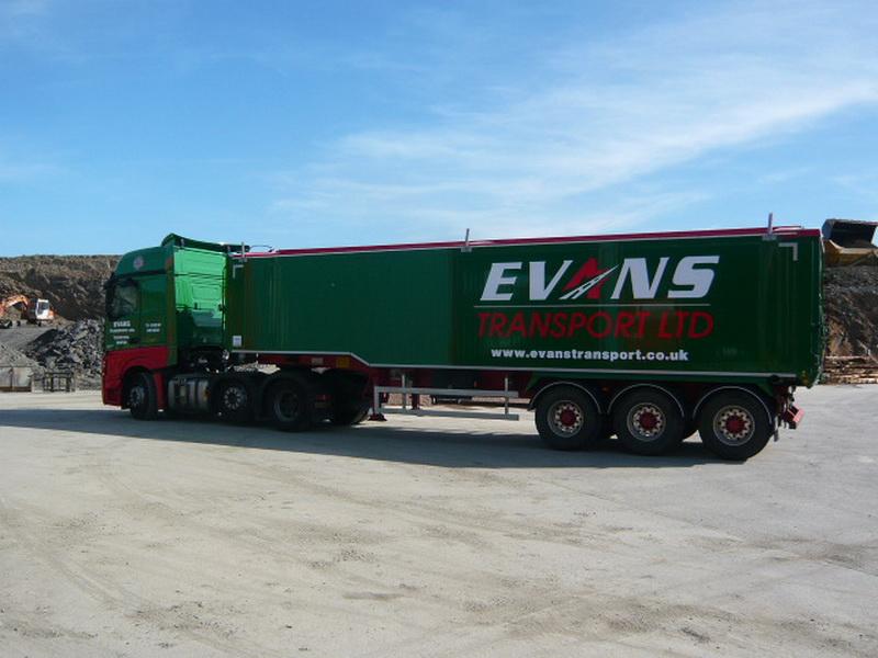New Fruehauf Tipper Joins the Evans Fleet